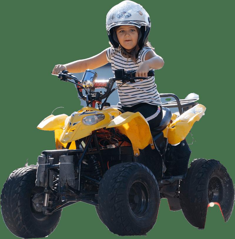 Kiddi-Car Quadfahren Quad freigestellt mit Kind 1